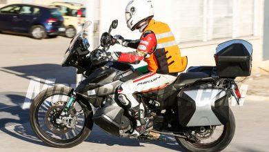 112217-spy-photos-2019-KTM-790-Adventure-06-390x220 عکسهای جاسوسی از موتور سیکلت کی تی ام  2019 KTM 790 Adventure دانش و فناوری موتور سیکلت   وردنگار