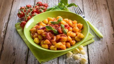 0421-390x220 آموزش طرز تهیه خوراک اسکواش تابستانی با جو آشپزی غذاهای گیاهی   وردنگار