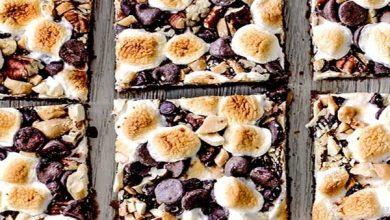 Untitled-1-390x220 طرز تهیهدسر شکلات کاراملی آجیلی و  دسر آجیل و موز، ویژهی عید نوروز آشپزی دسرها   وردنگار