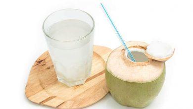 coconut-water-during-pregnancy-390x220 4 خاصیت آب نارگیل برای کاهش وزن سلامت مطالب سلامت   وردنگار