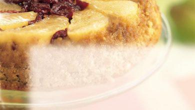 pear-cranberry-upside-down-cake-390x220 چگونه کیک کرن بری گلابی درست کنیم؟ آشپزی کیک ها   وردنگار