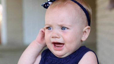 Babys-ear-pain-390x220 اگزما در نوزادان از علائم تا راه های پیشگیری و درمان بیماری های کودک خانه کودک سلامت مطالب سلامت   وردنگار