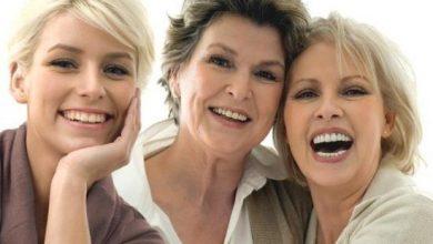 aging-550x365-1-390x220 سیزده عادت اشتباه روزمره که باعث پیری می شود آرایش صورت سلامت سلامت پوست و مو مطالب سلامت   وردنگار