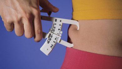 body-fat-calipers-comstock-stockbyte-getty-78487858-001-56a9d9b43df78cf772ab1960-390x220 نحوه محاسبه درصد چربی بدن با یک فرمول ساده تمرینات ورزشی و تناسب اندام ورزش   وردنگار