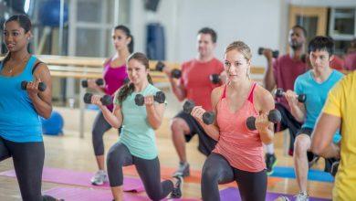 fitness-class-390x220 تمرینات تناسب اندام گروهی باعث بهبود کیفیت زندگی می شود تمرینات ورزشی و تناسب اندام ورزش   وردنگار