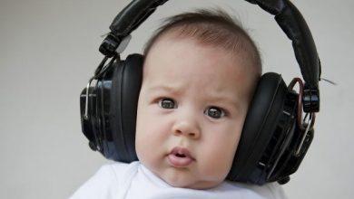 headphones-baby-390x220 کودکان متولد ماه سپتامبر  (10 شهریور تا 10 مهر) از هوش بالایی برخوردارند خانه کودک دانستنی های علمی کودک سالم   وردنگار