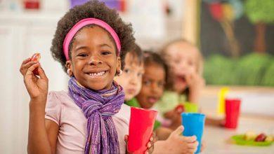 iStock-495343576-390x220 نوشیدن آب به همراه ناهار راه کاری ساده برای پیشگیری از چاقی کودکان بیماری های کودک تغذیه سالم تناسب اندام و رژیم درمانی خانه کودک سلامت کودک سالم مطالب سلامت   وردنگار