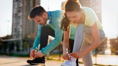 man-and-woman-ready-for-running-390x220 آمادگی هوازی زنان از مردان در تمرین هوازی بیشتر است تمرینات ورزشی و تناسب اندام ورزش   وردنگار