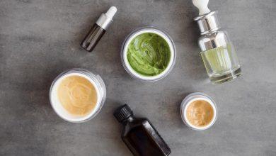 moisturizers-lotions-creams-and-facial-oils-on-slate-background-390x220 درمان جوش سخت و زیر پوستی با راهکارهای خانگی خانه مد سلامت پوست و مو   وردنگار