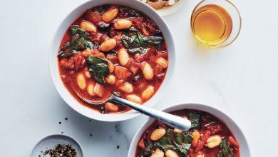 tomato-and-cannellini-bean-soup-390x220 طرز تهیه سوپ گوجه فرنگی و لوبیا آشپزی سوپ ها   وردنگار