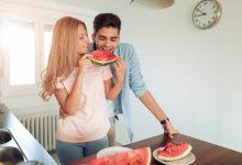 watermelon-viagra-man-and-woman-eating-watermelon-220x150 آیا هندوانه می تواند به درمان اختلال نعوظ کمک کند؟ دانستنی های جنسی سبک زندگی سلامت مطالب سلامت   وردنگار